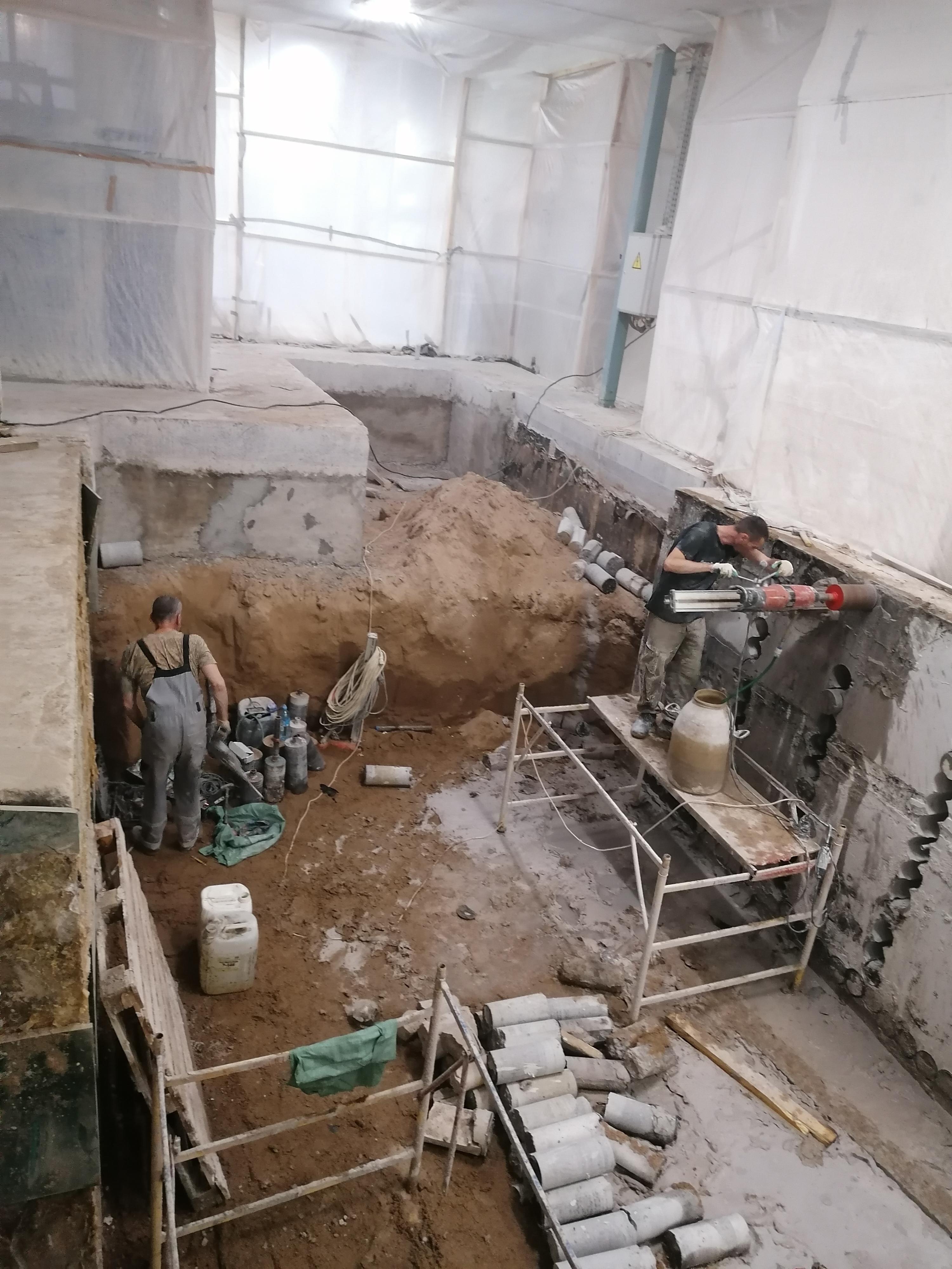 Устройство котлована и демнтаж стены